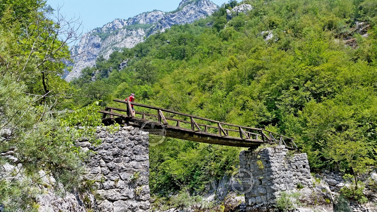 hiking tours Mrtvica